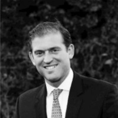 Jonathan Bennett,  Nakash Holdings