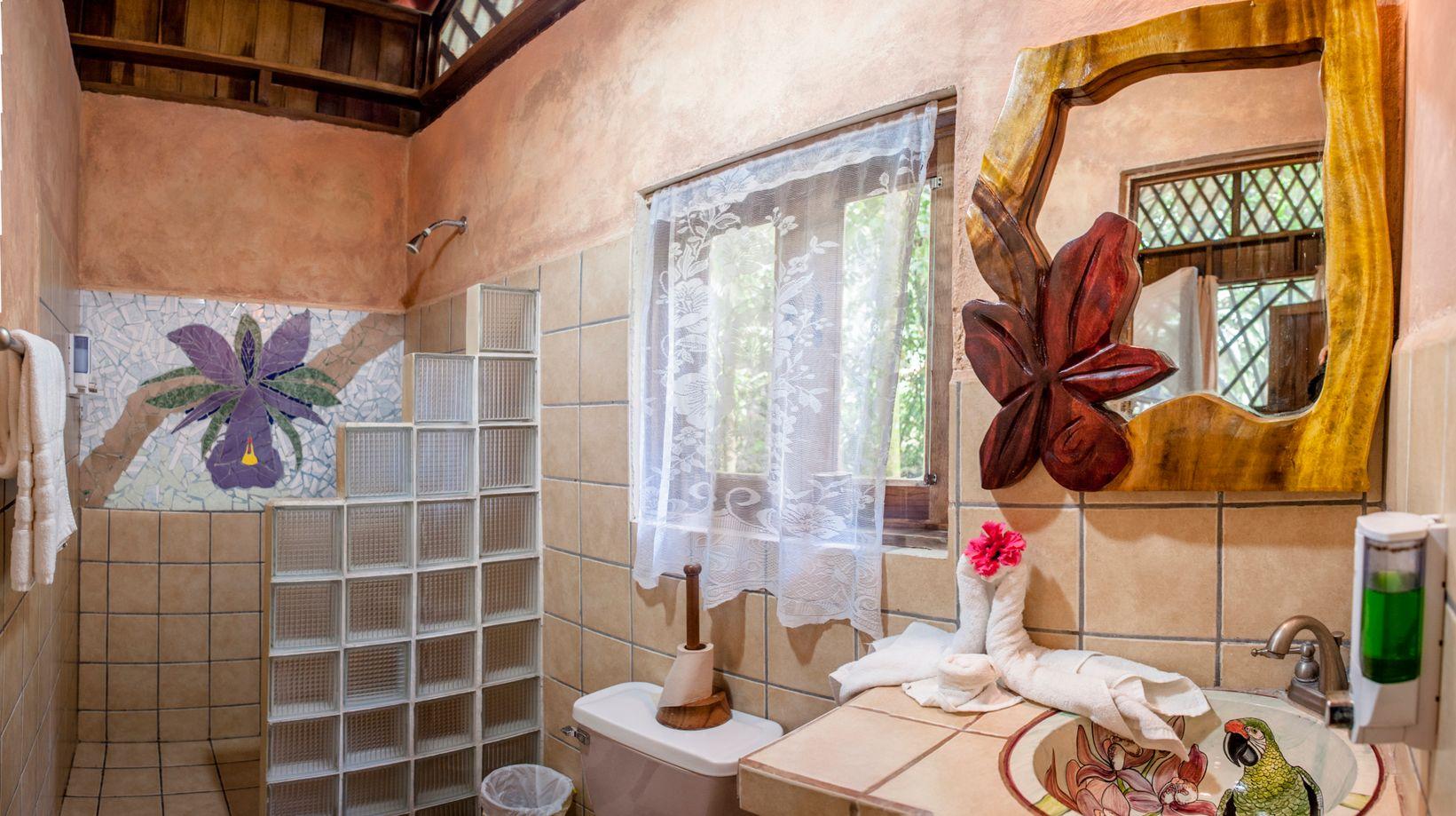 Bungalow Bathroom 2.jpeg