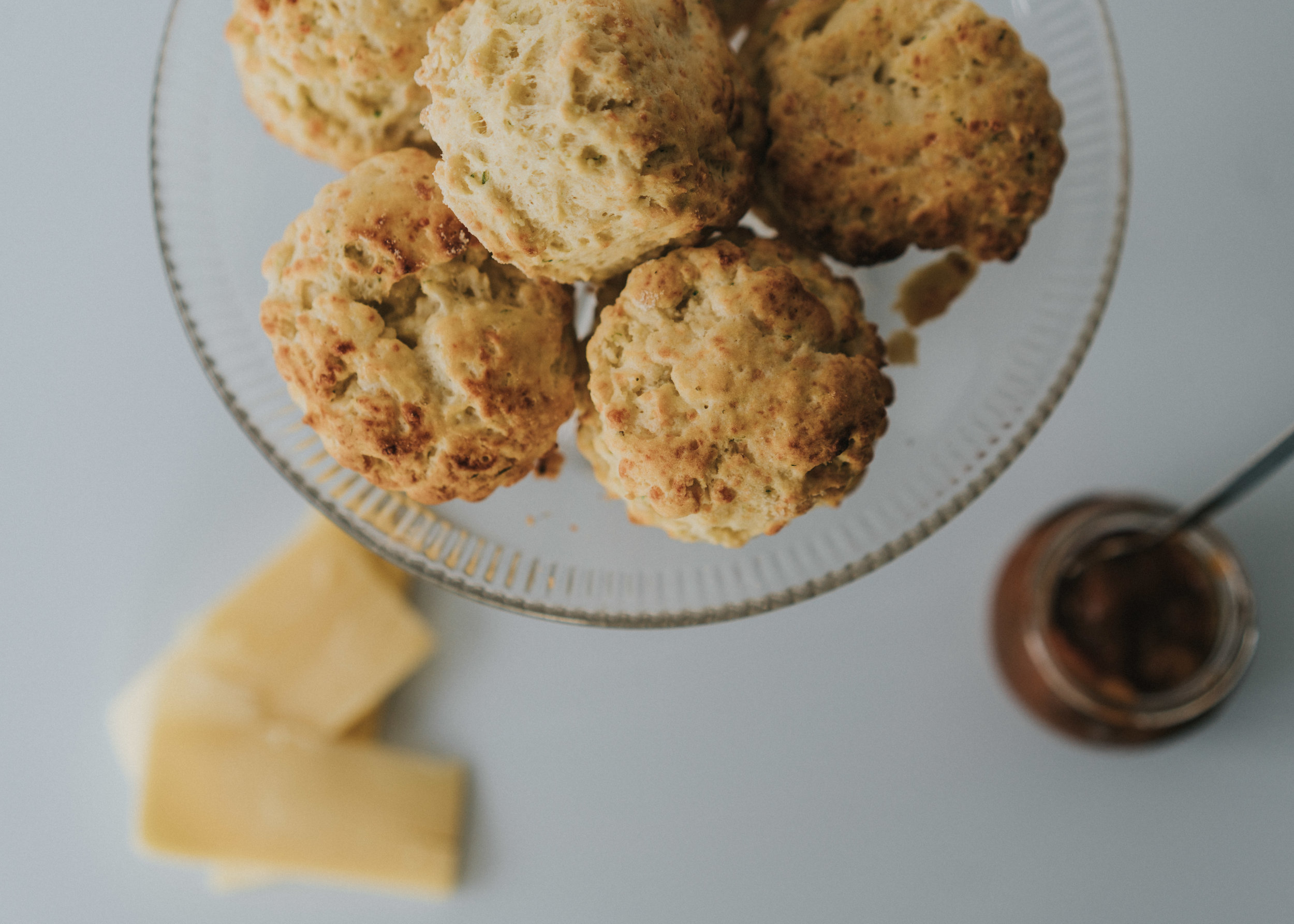 savory cheese & chive scones