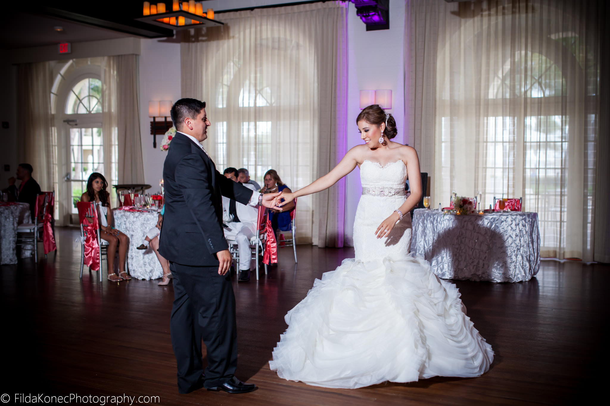 ERIKA + CHARLIE | CASA MARINA RESORT WEDDINGS
