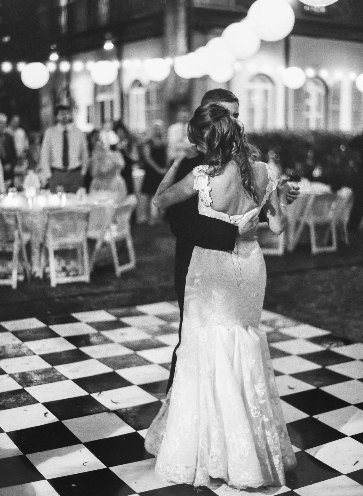 LISA + ALEX   HEMINGWAY HOME WEDDINGS