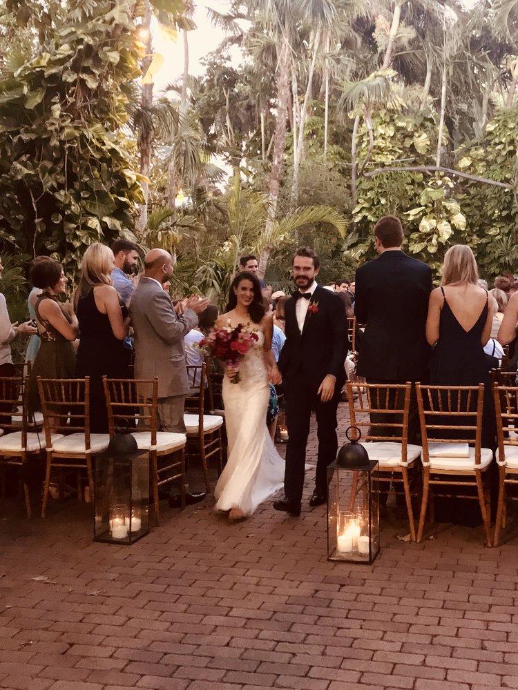 LAUREN + NICK   HEMINGWAY HOME WEDDINGS