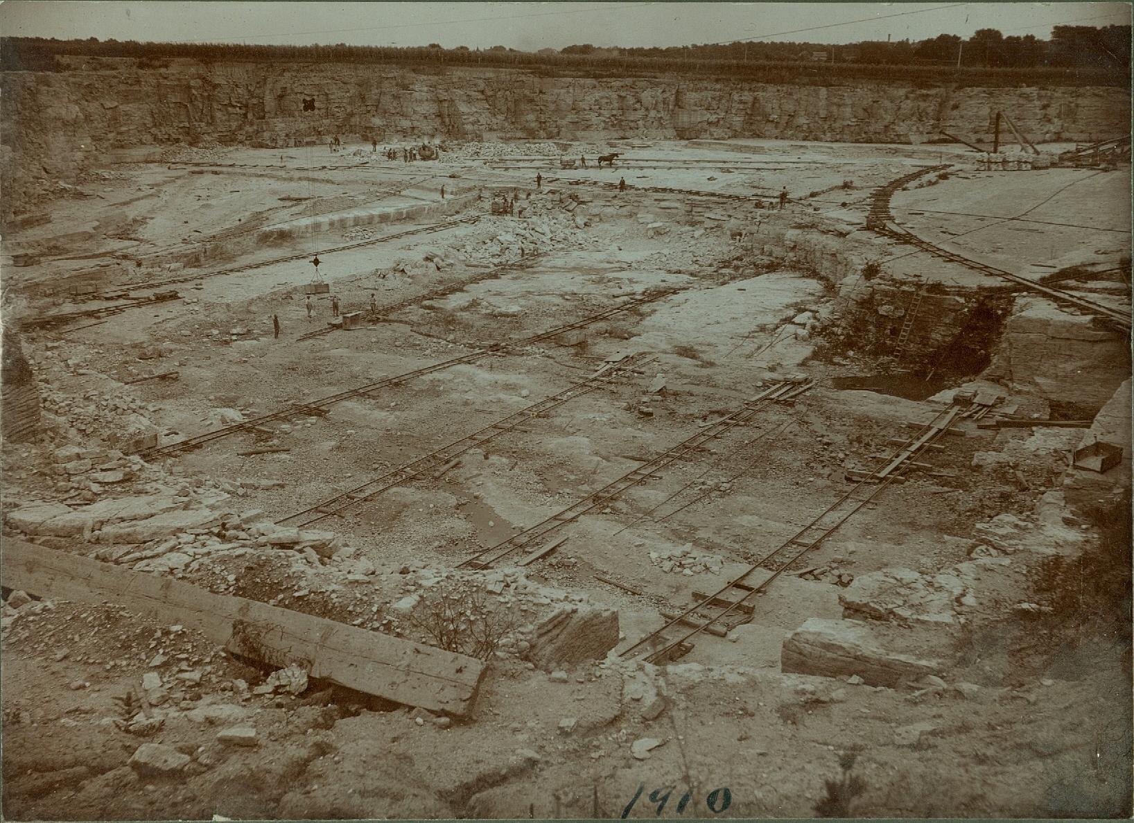 Elmhurst Quarry 1910