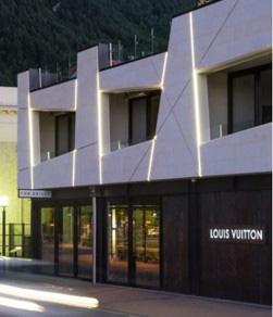 Louis-Vuitton-building-Michael-Wyatt-architect,-Queenstown.jpg