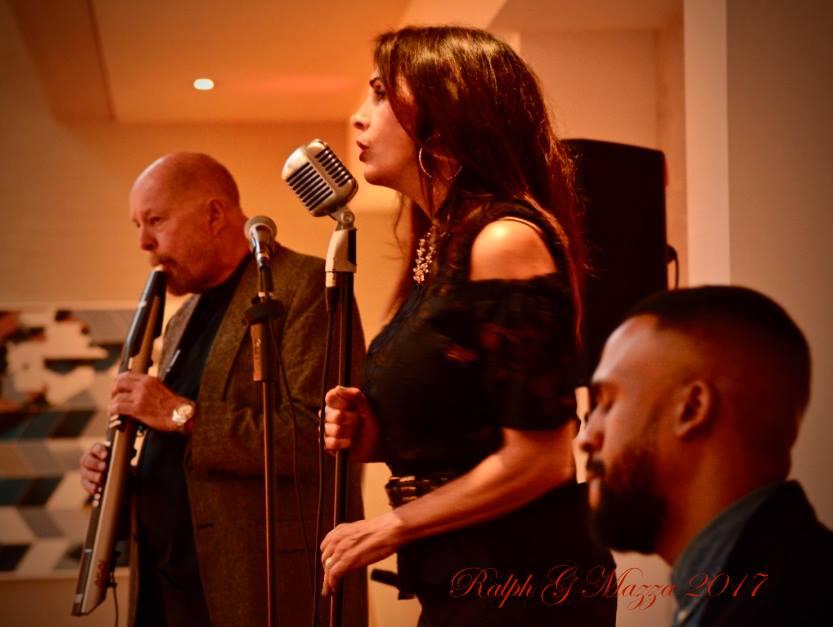 Antoinette Jazz Trio