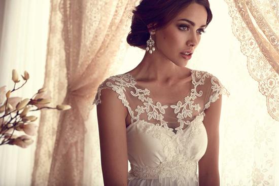 anna-campbell-wedding-gowns11.jpg