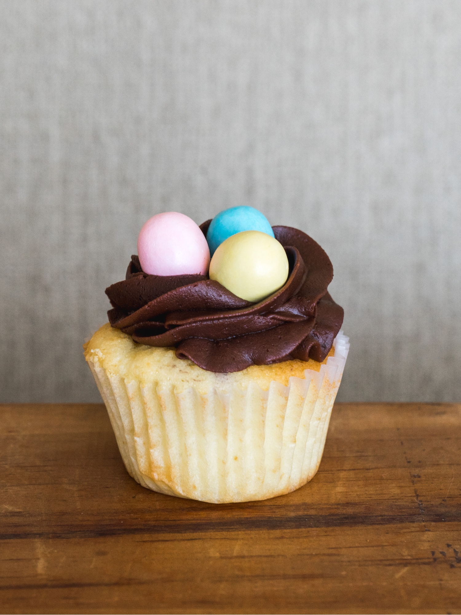 Easter Egg Full Size Cupcake