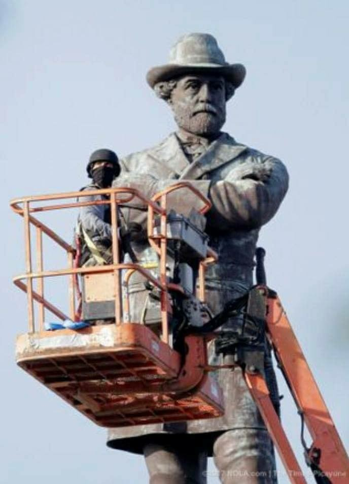 The New Orleans Mayor's own ISIS removing iconic veteran monument.