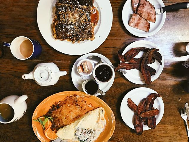 Finally got to eat here at Morning Glory's.  Definitely worth checking out.  #morningglory #breakfast #overhead #food #bacon #bananabread #eat #live #coffee #eggs #ham #maple