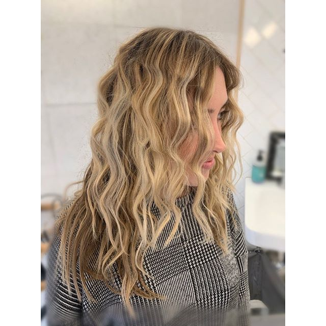 Last week after a cut and hair painting I got to crimp and style the smart and beautiful @malenalarson for her lion costume. 🦁🦁🔥 Love my job and amazing clients!! Happy Halloween everyone, have fun today! . . . . . . . #halloween #halloweencostume #balayage #warmbalayage #blondehair #blondebalayage #nycbalayage #balayagehair #balayagedandpainted #nyc #nychalloween #nycbalayagespecialist