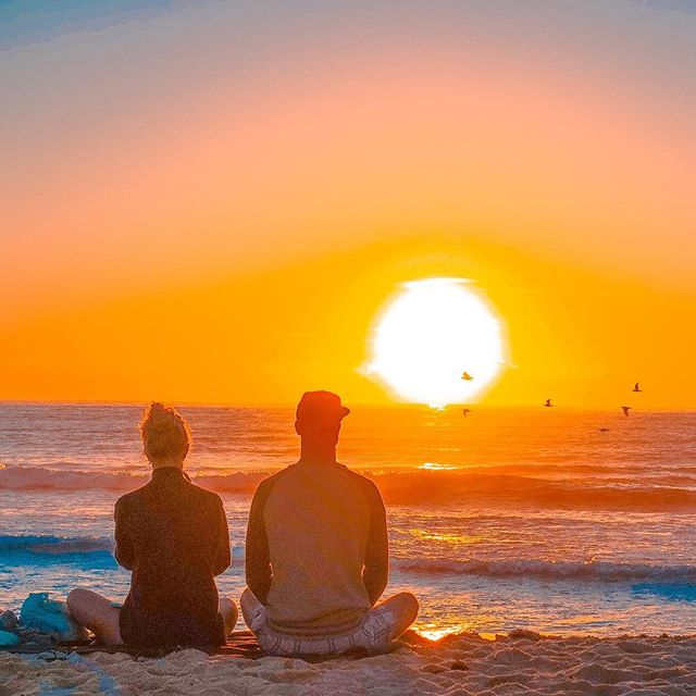Ha ha this morning the beach was full of photographer's who missed yesterday's epic #sunrise myself included, alas it wasn't to be today just a dose of young love instead 💕 lol 😂🤣📷😎 #ig_sunrise #jj_theocean #seascape #bondibeach #snapsydney #ig_colour #bondilife #bondisunrise #love #couple