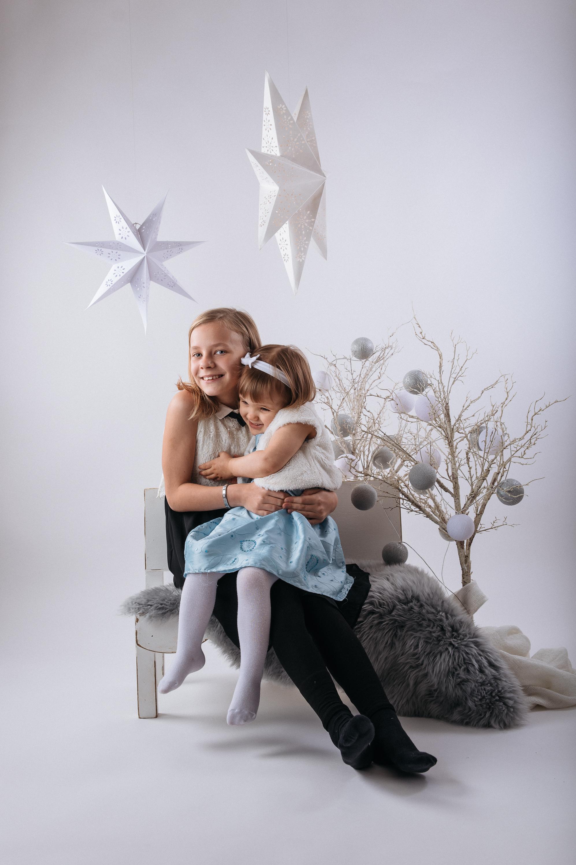 joulukorttikuvaus_Enni&Hilla_nettikoko-0565.jpg