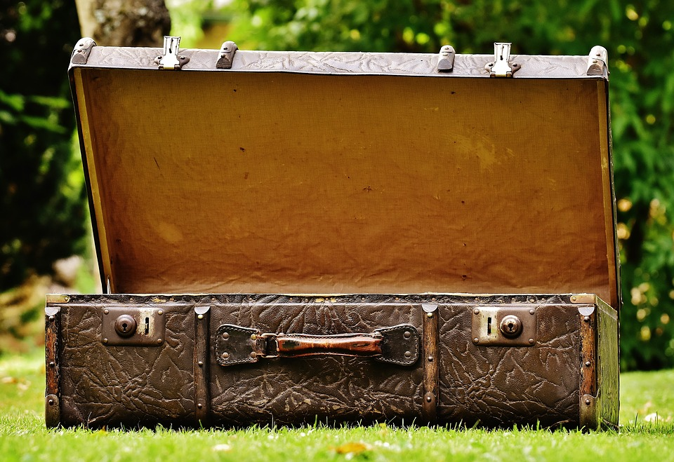 Suitcases - Instead of just letting unused suitcases gather dust, Huffington Post suggests repurposing them to take advantage of storage space. While the original article recommends turning it into a medicine cabinet, you can also use it to store seasonal items such as winter gear, or other rarely used items.
