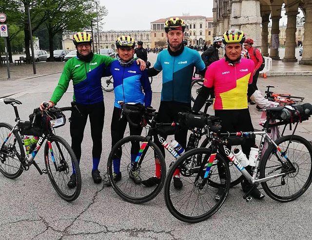 Ecco i nostri amici del Team Zydeco alla VENETO GRAVEL! Un ringraziamento speciale a CINELLI e ai ragazzi Alessandro Grisotto, Ivan Ravaioli e Tabarin Antonio. E voi... Quale maglia preferite?  #cinelli #rideinstyle #cyclingkits #igerscycling #vintagecycling #ridewithus #cyclingphotos #picoftheday #cyclingapparel #cycling #cyclinglife #violet #cyclingjersey #kitfitcycling #stravaphoto #cyclingchic #cyclingaddict #wtfkits #soundofthesilence #cyclingpics #cyclingshots #outsideisfree #ridehard #intothewild #lovecycling #instaphoto