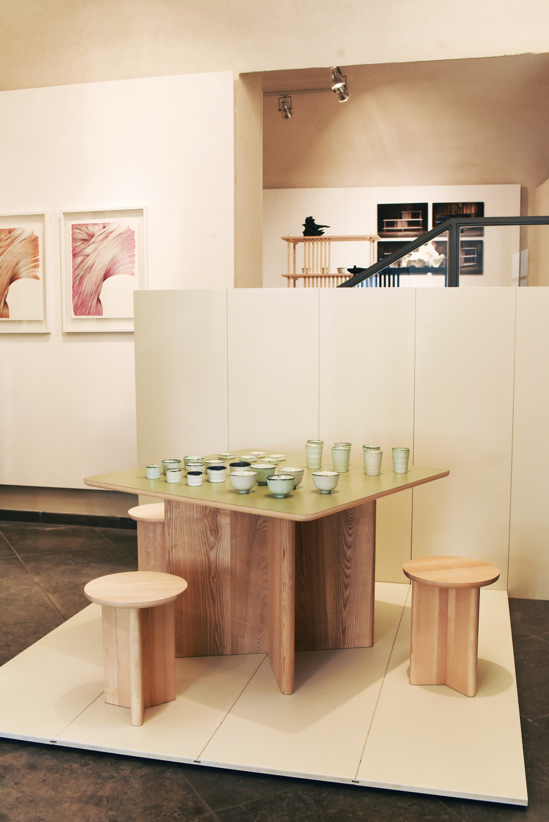 Table X Tabourets Y Galerie Chouleur (1) (FILEminimizer).jpg