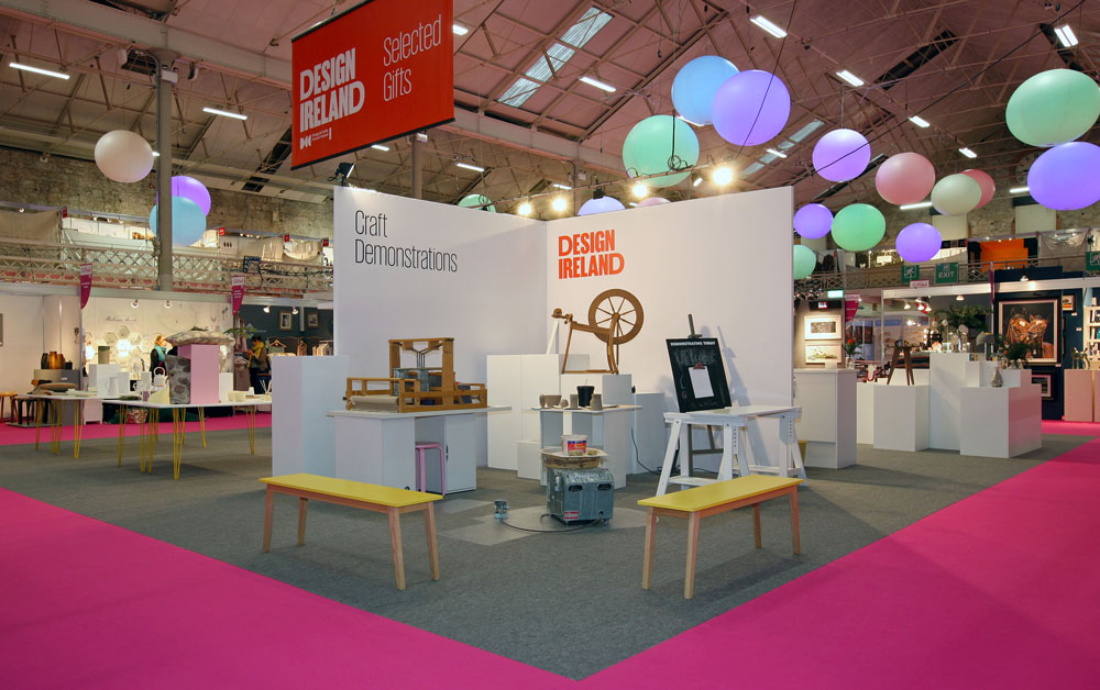 Gifted the contemporary craft and design fair with W Display