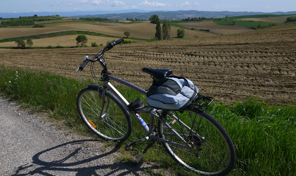 Hire a bike… - and explore the beautiful surrounding countryside. Quiet roads, sleepy villages and breathtaking views.