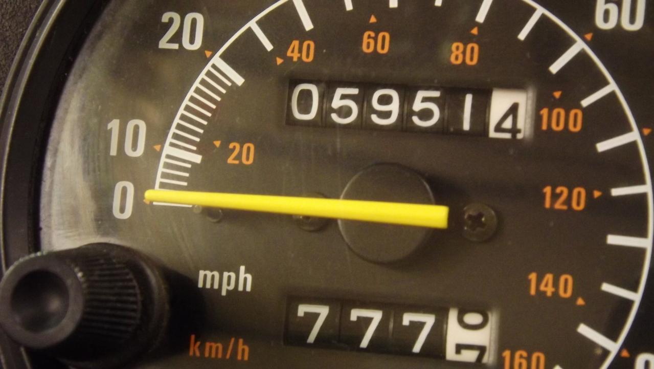snowmobile-speedometer-1303241-1279x720.jpg