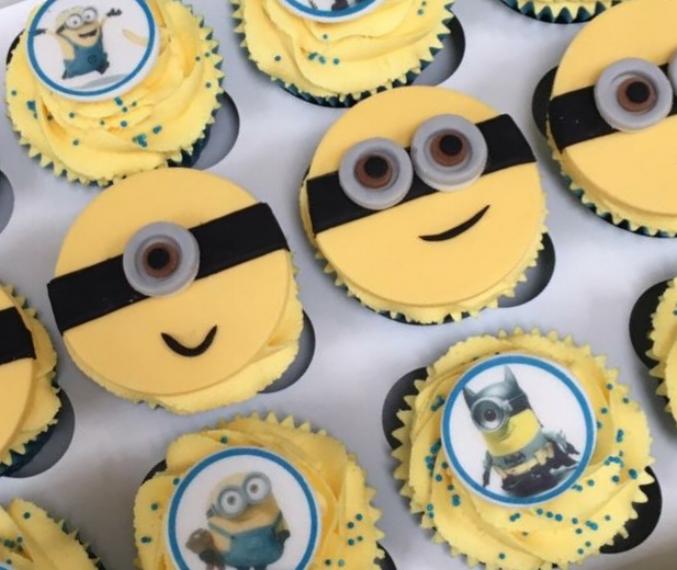 Banana... Minion cupcakes