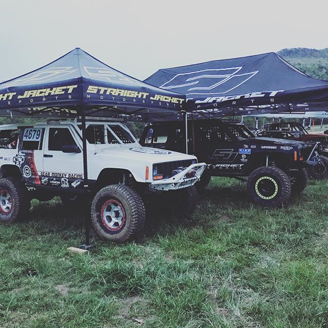 Friends keep you dry! @straightjacketmotorsports @sj_dizzy @cavfab_4x4 @prpseats @treadwright @bulldogwinch @ironman4x4fab  @eastcoastgearsupply @adamsdriveshaft  @filthyaddictionsoffroad  @radfloshocks @yukongearandaxle  @visionwheel @discount_tire @maglite_usa  @altitudelighting @agr_performance_steering  @gearheadcoffeeco  #Treadwright #Cavfab_4x4 #Filthyaddictionsoffroad #Prpseats #bulldogwinch #adamsdriveshaft #Eastcoastgearsupply #Ironman4x4fab #radfloshocks #radflo #yukongearandaxle #jeep #jeepxj #jeeplife #shirts #kohprep #xjcherokee #jeepporn #offroad #ultra4racing #grind #brap #dirt #offroad #4x4 #racing #carshow #truck #dirtcenter #dirtcentermedia