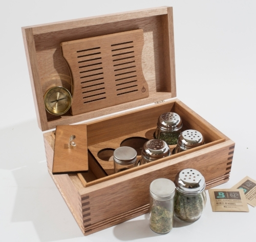 CannBisDors; Herbal & CANNABIS Humidors