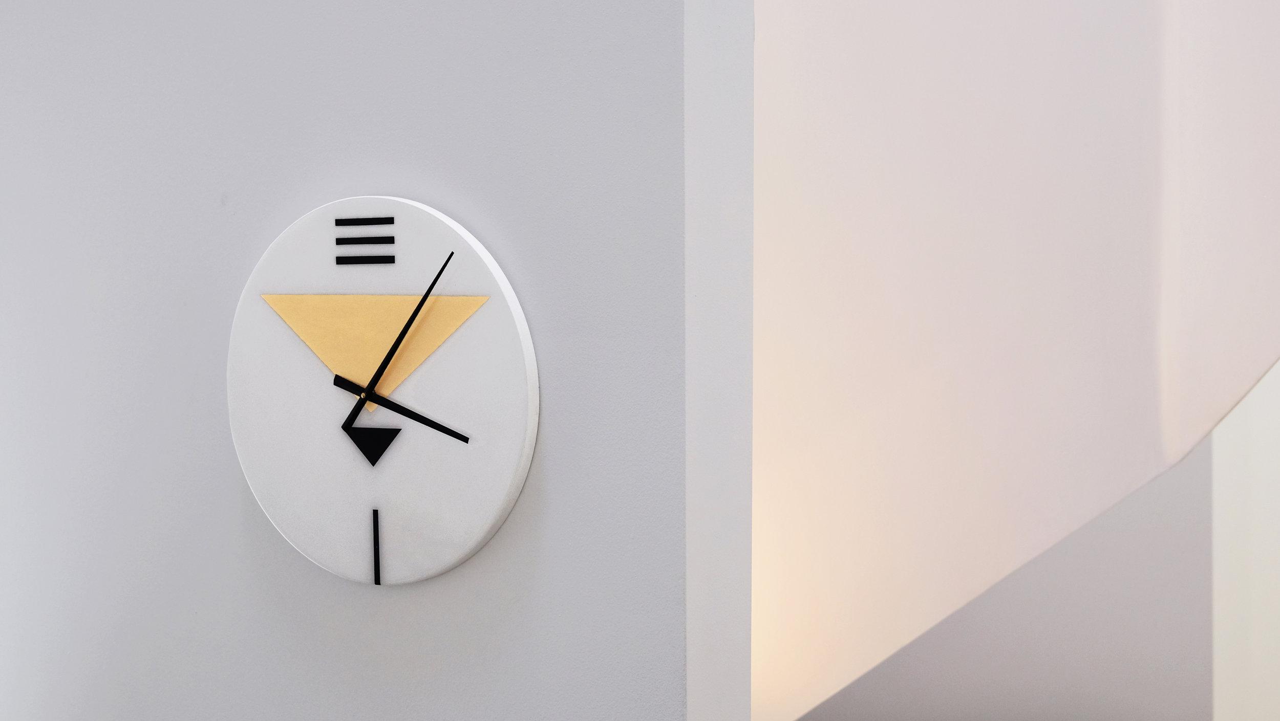 Clock1ps2.jpg