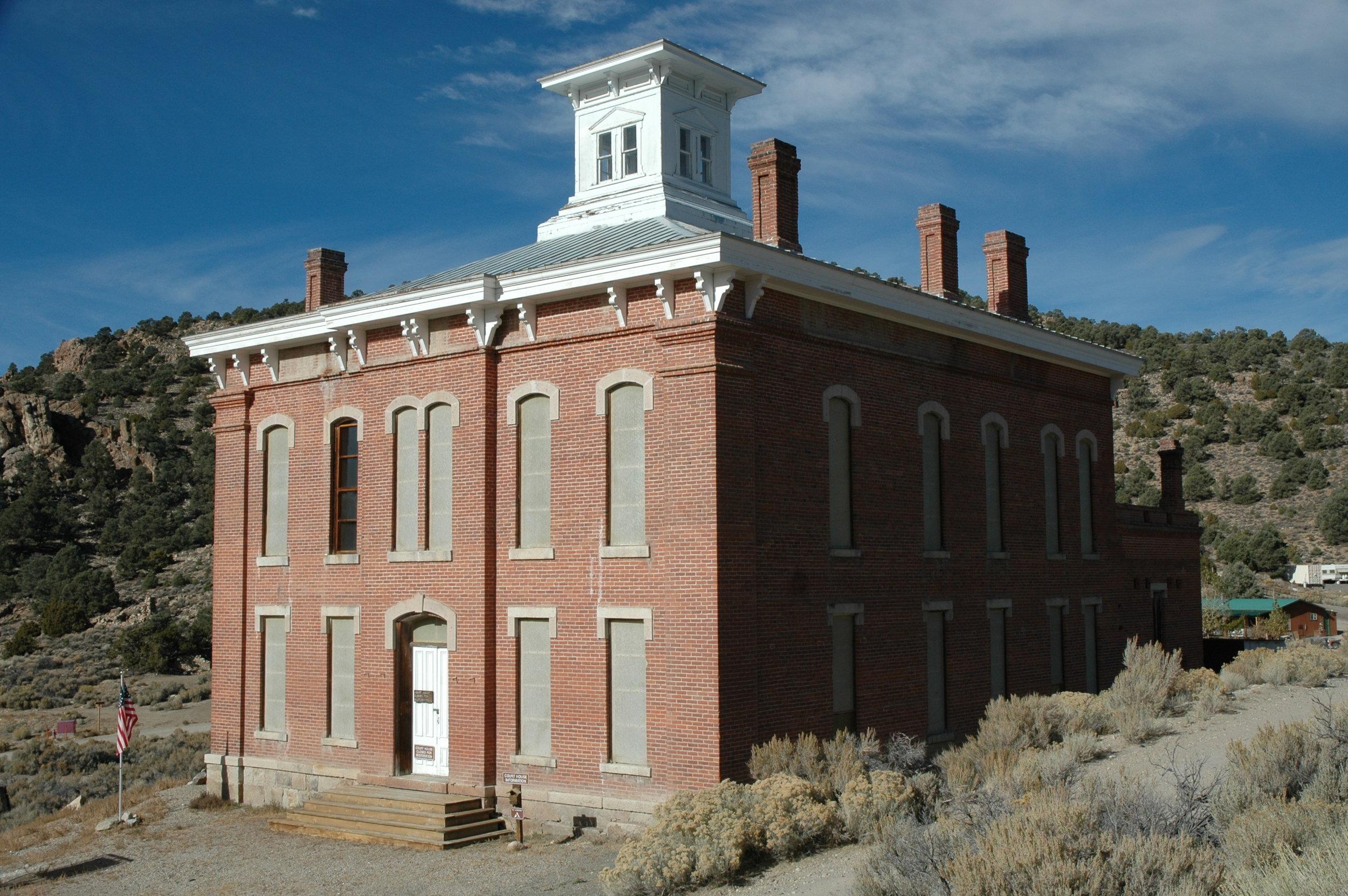 Photo: Wikimedia Commons (https://commons.wikimedia.org/wiki/File:Belmont,_NV_Courthouse.jpg)