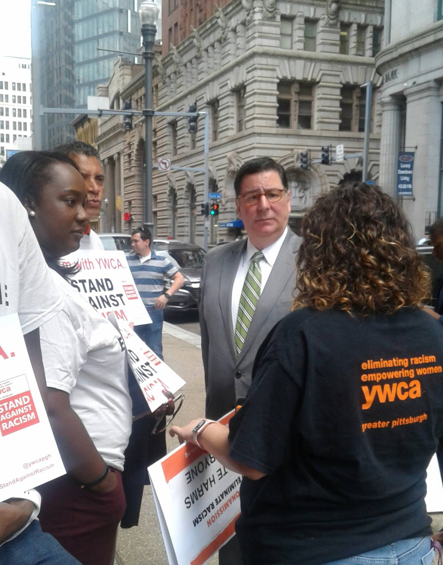 Wikimedia Commons,Mayor Bill Peduto at the Stand Against Racism Rally,https://commons.wikimedia.org/wiki/File:Mayor_Bill_Peduto_at_the_Stand_Against_Racism_Rally.jpg