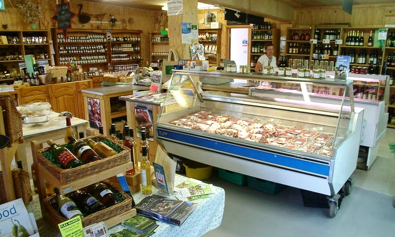 TREVILLEY FARM SHOP - A must visit for a real taste of Cornwall offering a mouth-watering array of food. A wide range of local meat – perfect for the BBQ – and fresh produce from their on-site kitchen, the pasties are not to be missed!01637 872310