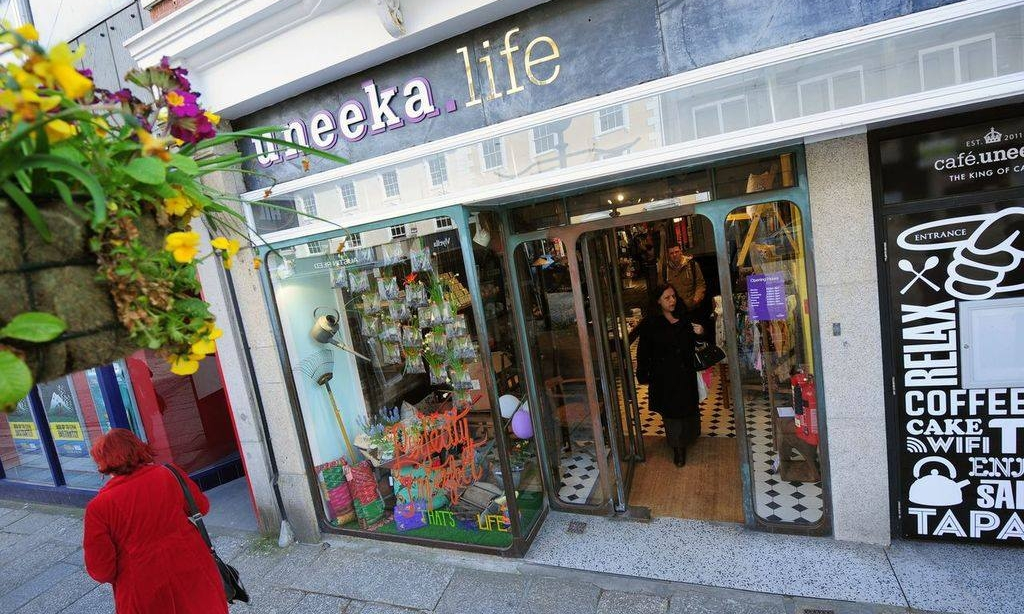 UNEEKA LIFE - Uneeka.Life is home to a wide range of ethically sourced and locally produced products including handbags, jewellery, scarves, stationery, candles and men's gifts. The unique shop, located on Truro's Boscawen Street accommodates plenty of styles, so you're guaranteed to find something you'll love.01872 888530