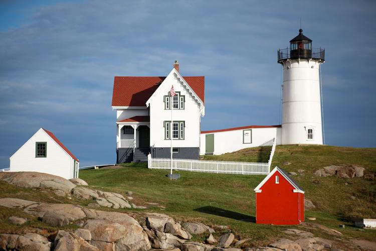 nubble-lighthouse-along.jpg