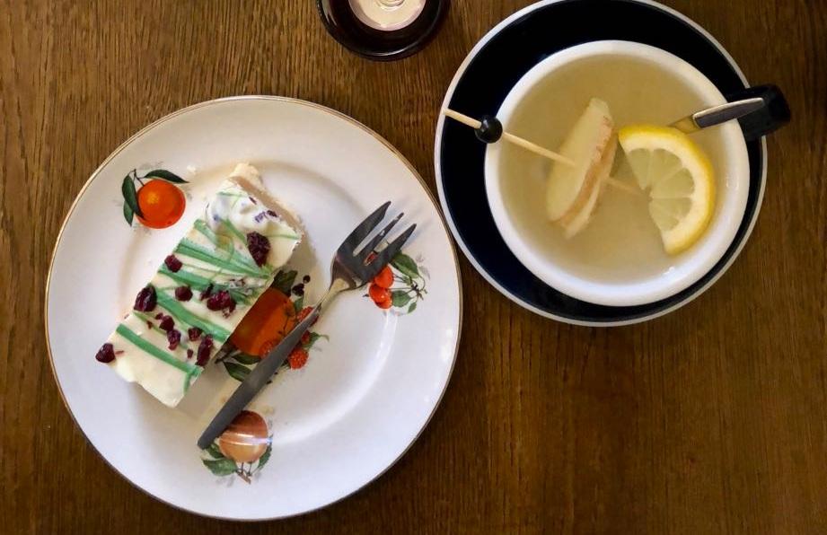 """""""Met   Marjolein   ging ik thee en christmas shortbread eten bij de nieuwe zaak van   Coffeelicious   aan het Lange Voorhout"""" - My Happy Kitchen"""