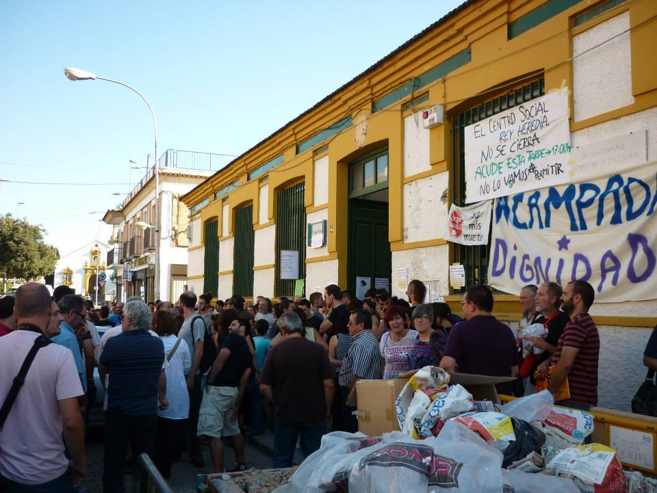 The Rey Heredia social center is a former school, which was occupied by a number of radical groups brought together under the name of Acampada Dignidad Cordoba and transformed into social center in October 2013. Photo: Jesús Fernández Fernández