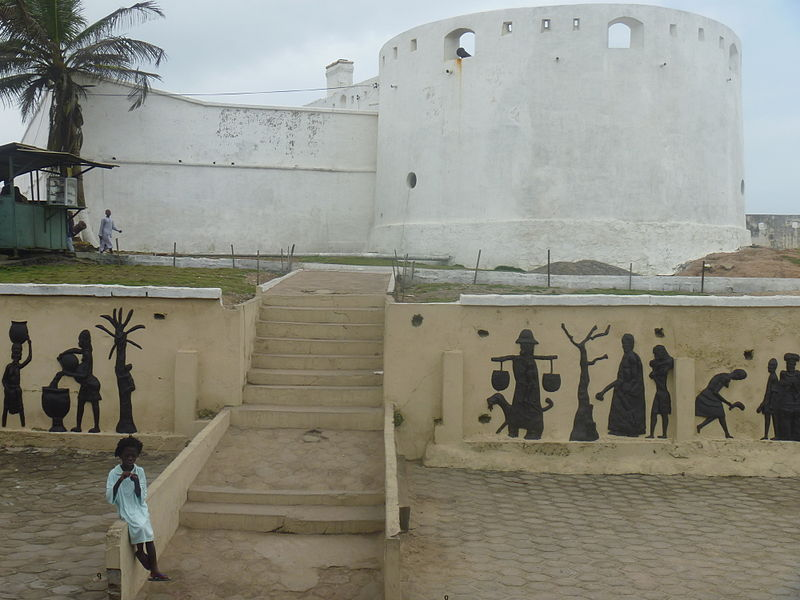 Descendants of slaves make 'roots' pilgrimage Ghana's Cape Coast Castle. Photo: Monocletophat123 (Flickr)