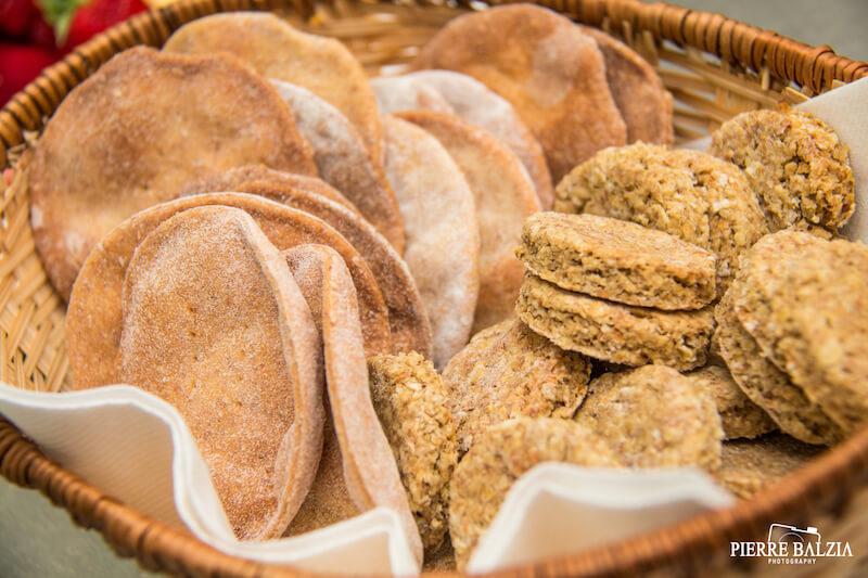 Galletti & Oat Cookies. Photo credit: Pierre Balzia