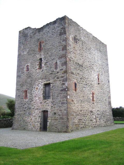 Gallarus Castle. Photo credit: Nigel Cox (2006)