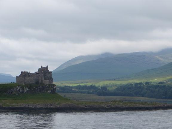 Duart Castle, Photo: David Weinczok