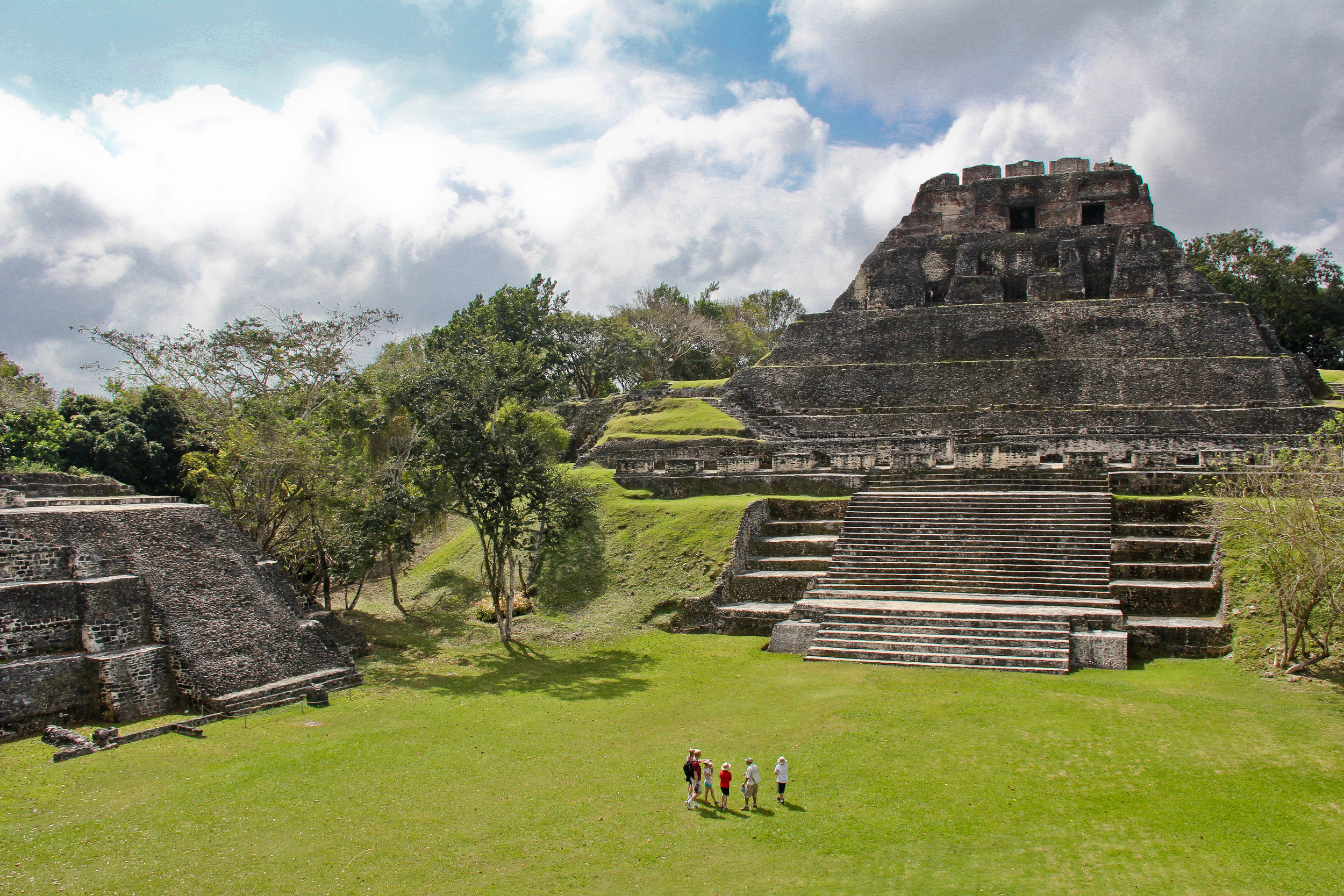 The compact but impressive Xunantunich. Photo: Creative Commons