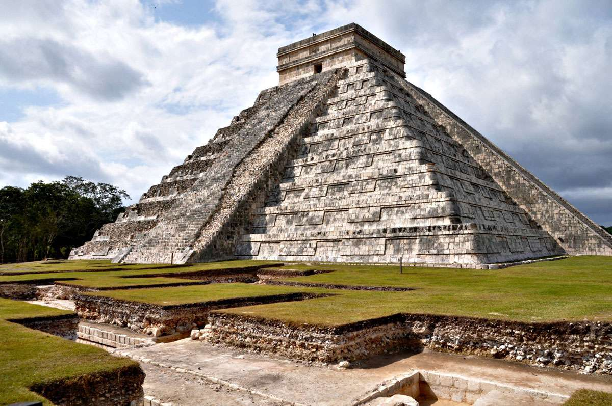 The Egyptians arent the only ones who built pyramids. These structures are also a regular feature of Mayan architecture, Photo: Jose Santos Tamay