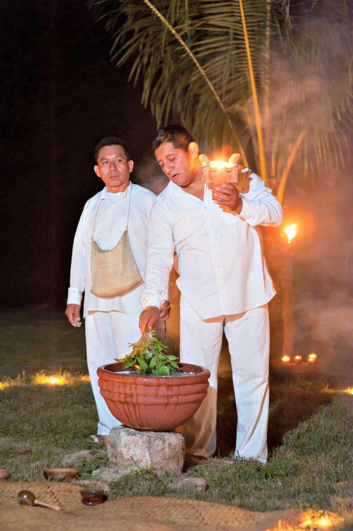 Jose Santos Tamay, a Mayan J'Men, performs a healing ritual, Photo: Jose Santos Tamay
