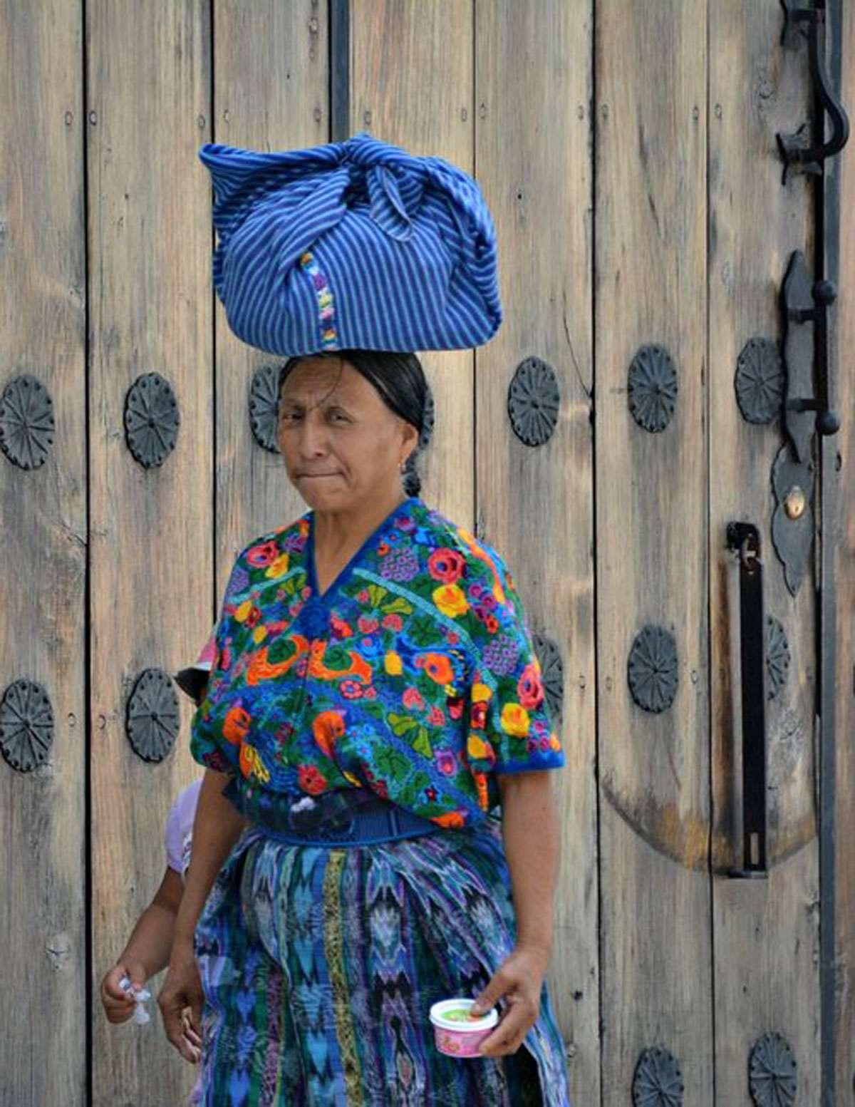 maya-textile-blue-woman,jpg