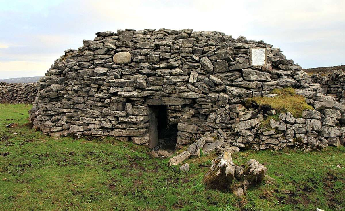 Beehive Hut lived in by 8th century hermit on Inis Mor. Credit: Tess Harper.