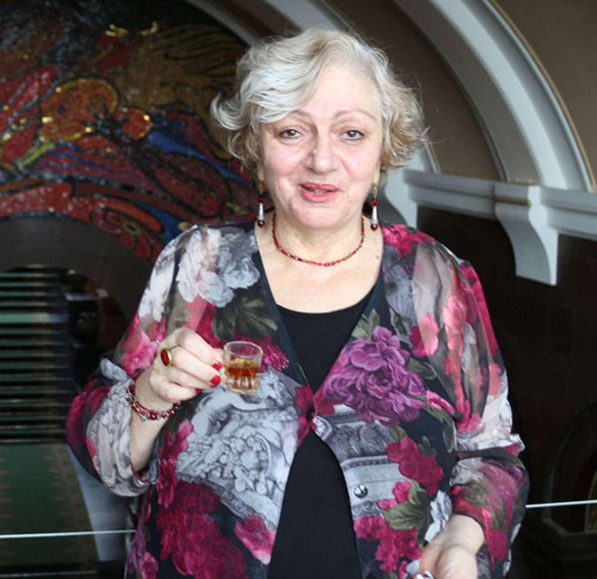 Dr.-Erna-Shirinian, Photo: Meg Pier