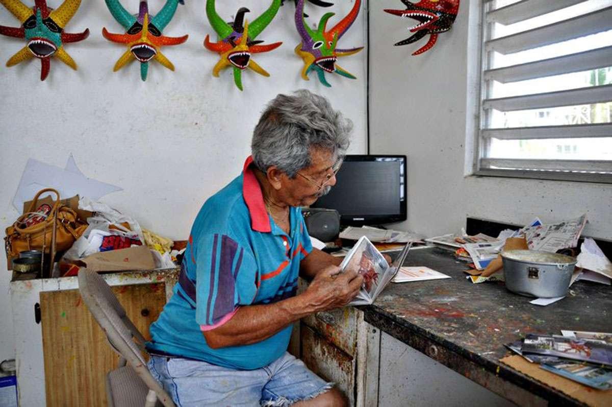 Miguel Caraballo of Ponce creating a vejigante.   Photo: Meg Pier
