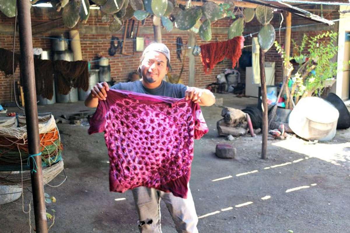 Bëërt Sánchez-Martinez - a Zapotec Weaver in Oaxaca's Central Valley in Mexico