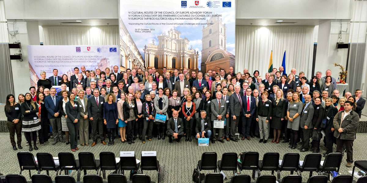 Family picture at the 2016 Annual Advisory Forum in Vilnius. Photo: EICR