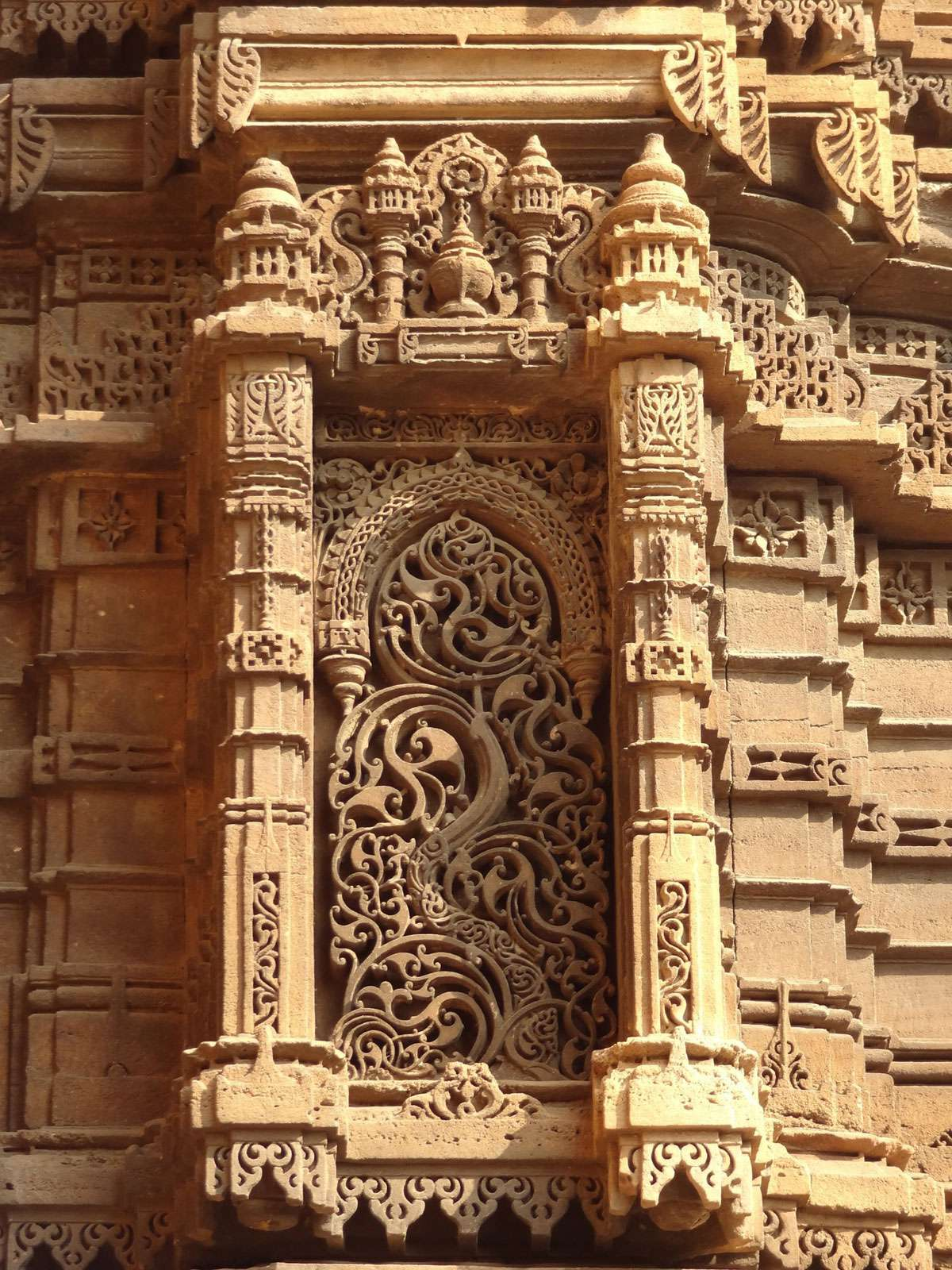 Intricately Carved Minaret of Rani Rupmati's mosque in the walled city of Ahmadabad Photo: Khushi Shah. Photo: UNESCO