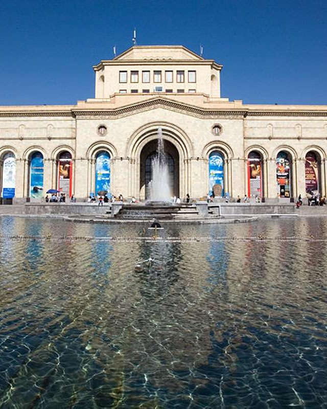 2.Yerevan19o.jpg