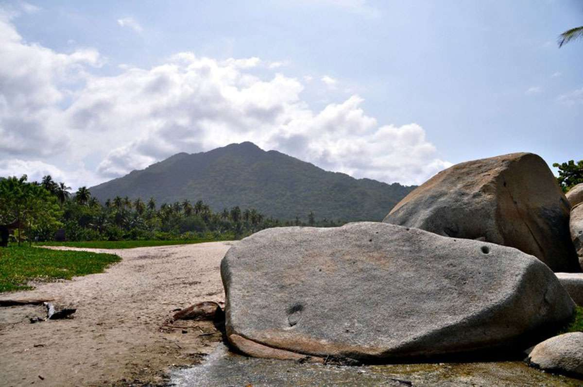 boulders-tayrona-park-beach.jpg