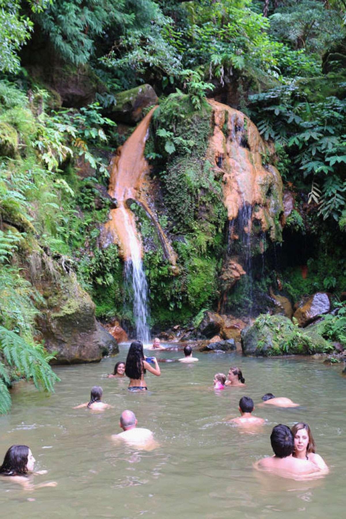 The entrancing aquamarine waters of Lagoa das Sete Cidades
